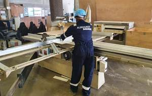 albwardy damen vacancy - carpenter